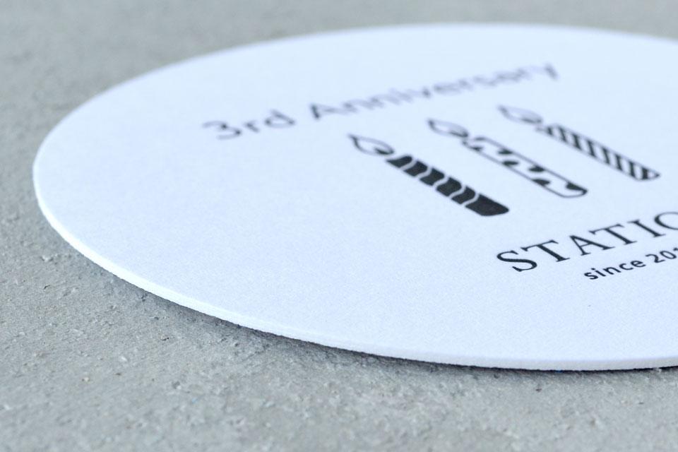 おしゃれでシンプルな活版印刷のコースターデザイン